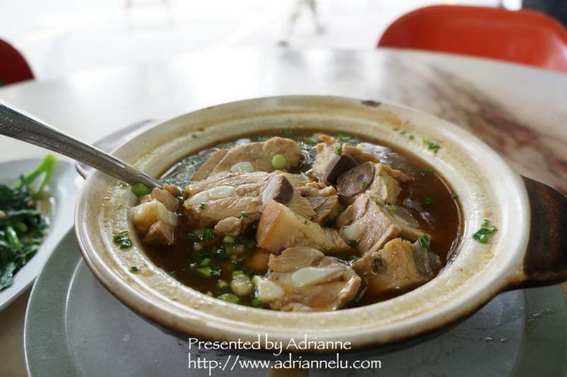 【吉隆坡自由行】老字號的新峰肉骨茶,湯頭超甜美!