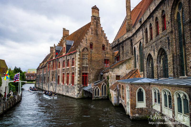 【環遊歐洲68天】Day18-1 漫步在中古世紀的比利時布魯日Brugge 市集廣場、愛之湖畔
