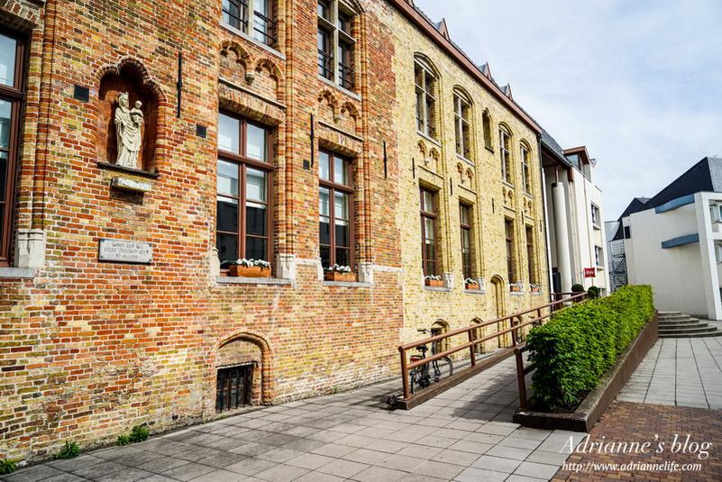 【環遊歐洲68天】Day18-2 宜必思布魯日中心飯店 (Ibis Brugge Centrum Hotel),地理位置極優!