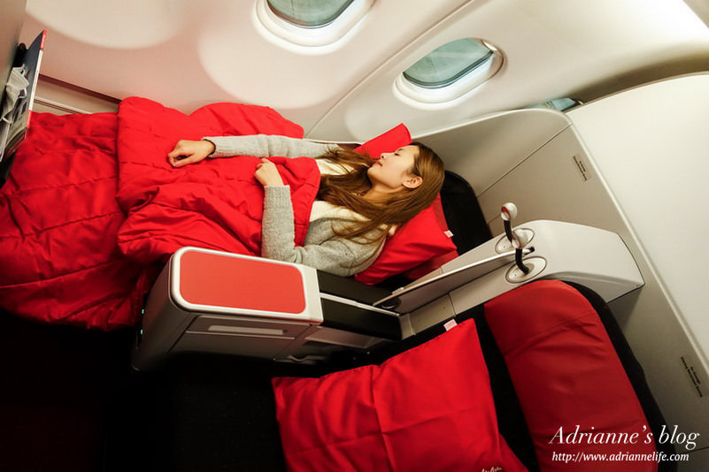 【Bali峇里島.巴里島】AirAsia亞航台北直飛峇里島,比一般航空更超值、更舒適!(商務艙、經濟艙介紹)