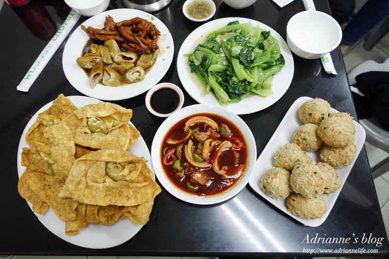 【澳門自由行】米其林指南推薦六記粥麵,必吃米通綾魚球、滷水鳳爪大腸、蝦籽撈麵。