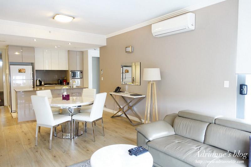 【澳洲雪梨自由行】雪梨住宿推薦!Zara Tower 白色系的高質感飯店式公寓,離中央車站5分鐘,CP值超高!