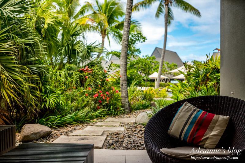 【斐濟自由行】斐濟住宿推薦!斐濟洲際高爾夫温泉度假村 (InterContinental Fiji Golf Resort & Spa) ,被媒體評為世界十大最美沙灘之一的豪華飯店!(泳池景觀房)