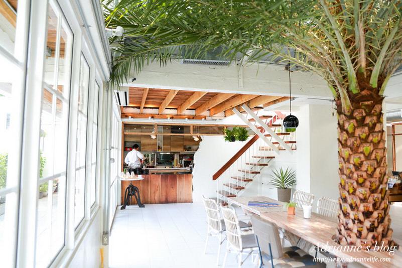 【曼谷自由行】曼谷下午茶推薦!純白且綠意盎然的 Emmie's 白色別墅咖啡廳!