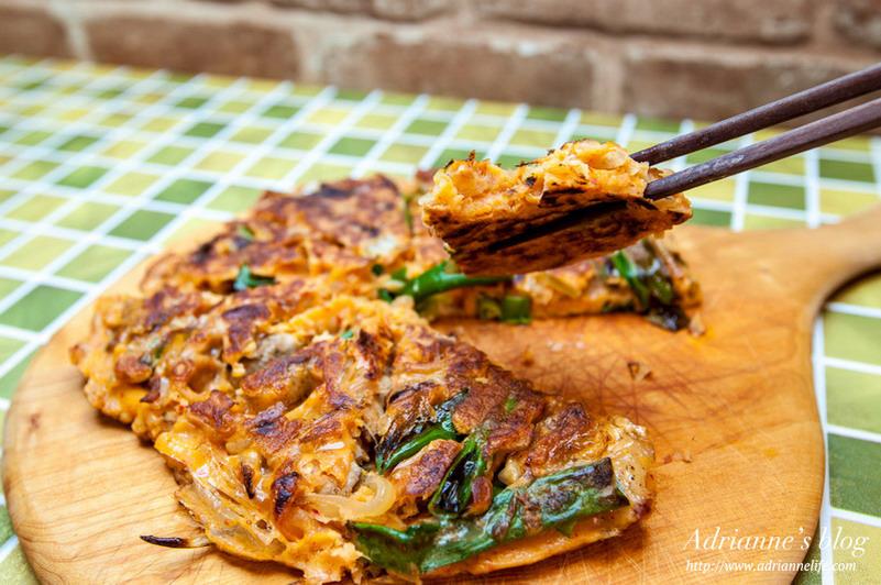 【一次上手食譜】外酥內軟的韓式泡菜豬肉煎餅,大口咬下超滿足!