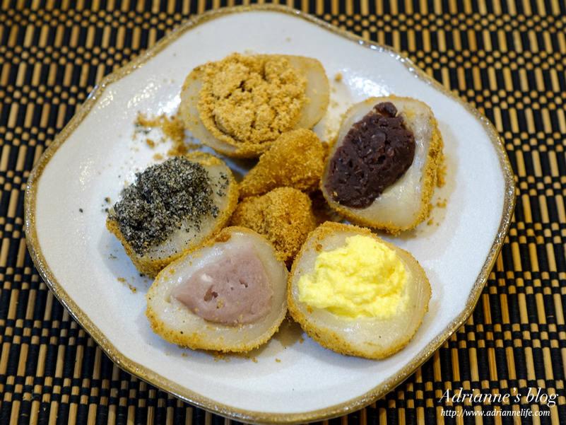 【小吃】台北行天宮美食。不老客家傳統麻糬一顆10元料多實在,原味、芝麻、花生、椰香、芋頭、紅豆六種口味一次滿足!