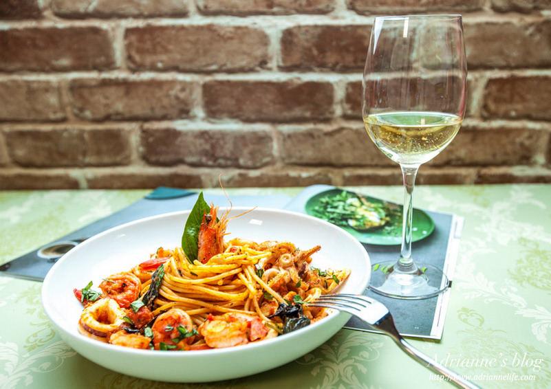 【一次上手食譜】簡單三步驟,在家就可以做出媲美餐廳的蕃茄海鮮義大利麵!