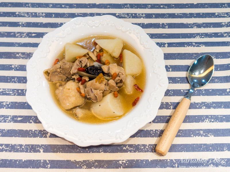 【一次上手食譜】一年四季都適合享用的養生山藥紅棗枸杞雞湯