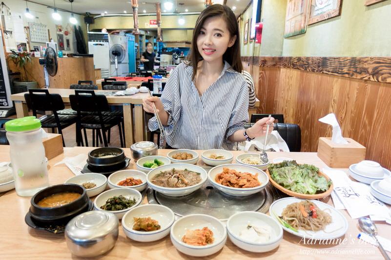 【首爾美食推薦】(424)明洞站-鳳順烤肉午晚餐都有供應滿滿小菜的套餐,一個人旅行也能吃