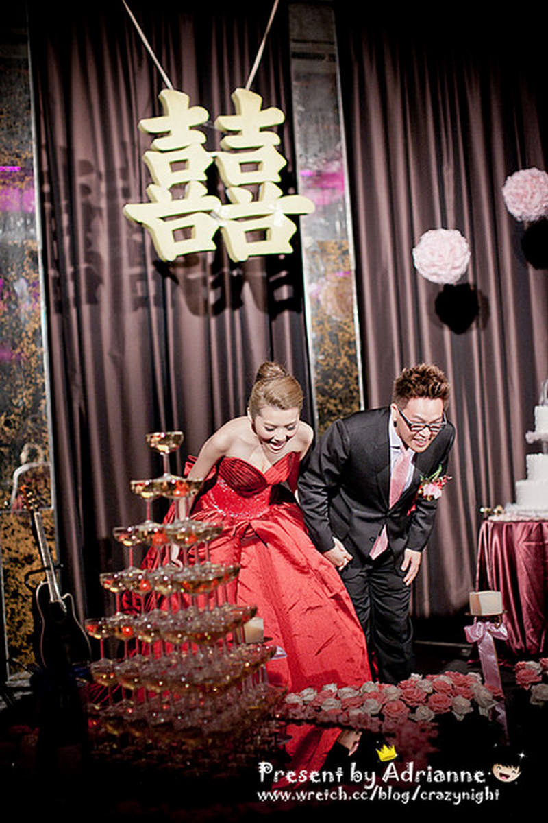 【喜喜】結婚 ♥ 宴客 (下) 感謝、送客、瘋狂【內有影片】