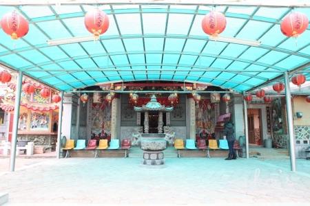 浯州陶藝坊:【金門金城】尋找風獅爺&浯州陶藝坊手繪風獅爺瓶&好喝的毛澤東奶茶。