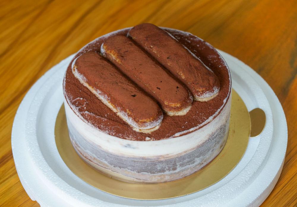[高雄]邊邊義式冰淇淋工坊-大人小孩都愛的提拉米蘇冰淇淋蛋糕