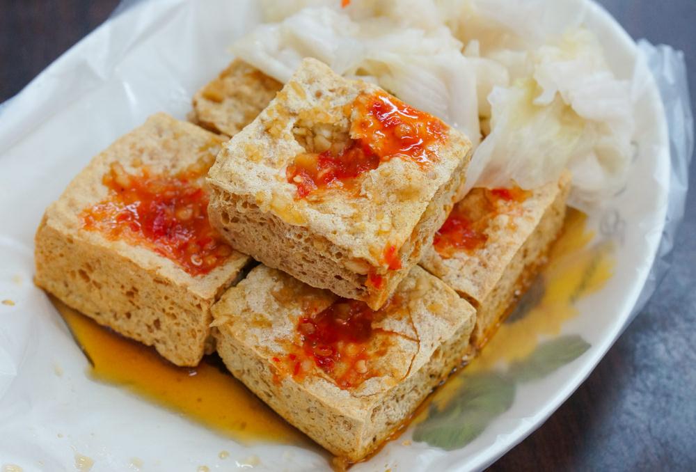 [高雄]正興臭豆腐(後昌店)-外酥內軟噴汁臭豆腐X配泡菜更正點! 楠梓臭豆腐推薦
