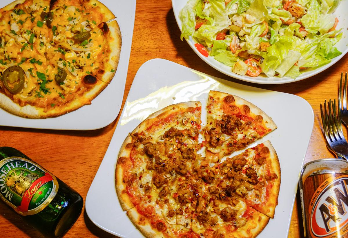 [高雄]Pizza Rock(高雄店)-老外超愛!義式薄餅皮pizza! 好吃不貴聚餐選擇 高雄pizza推薦