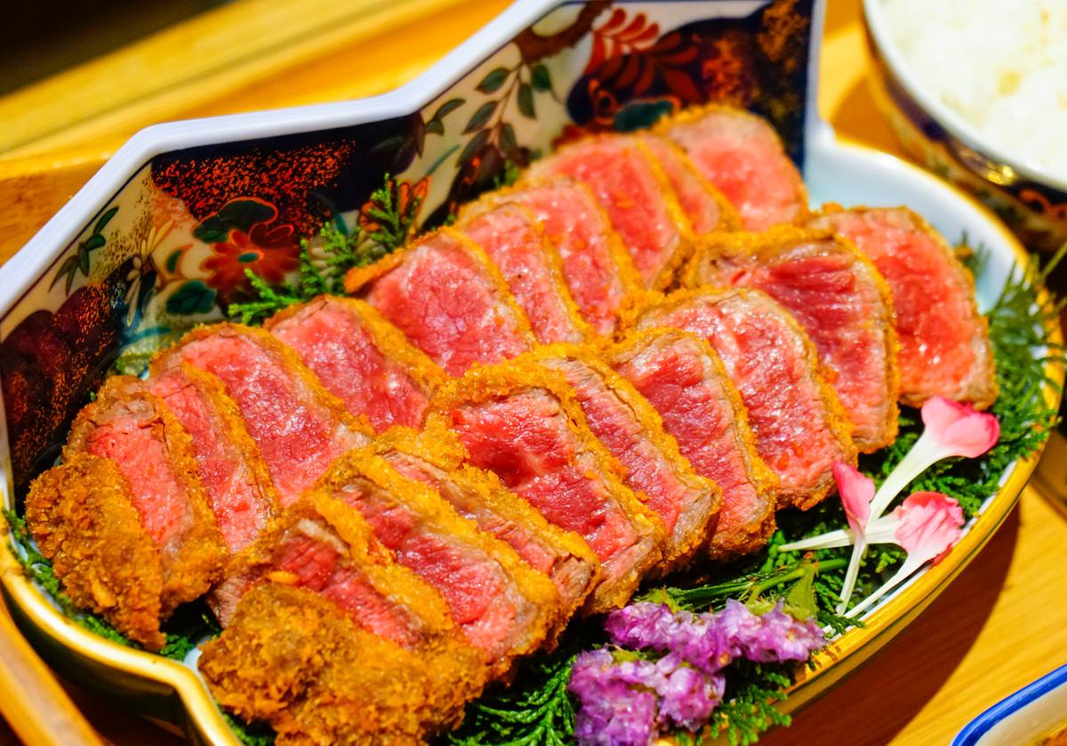 [高雄]萩椛牛かつ專門店-肉控不能錯過的銷魂日式炸牛排! 高雄炸牛排推薦