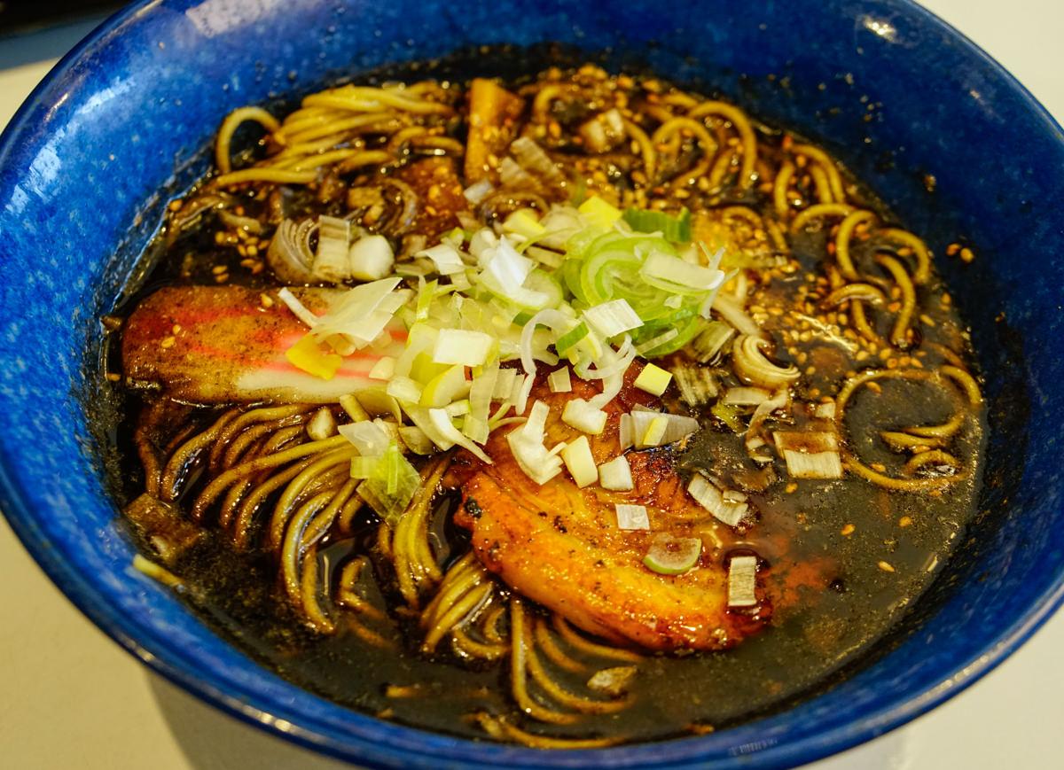 [富良野美食推薦]支那虎拉麵-北海道拉麵前20名的必吃蒜香焦油拉麵