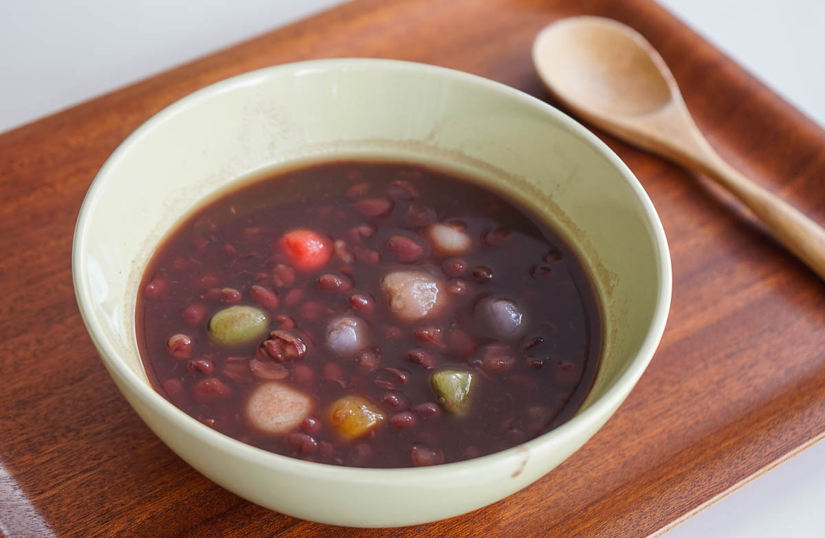 How to eat food in China - Dessert, red bean soup