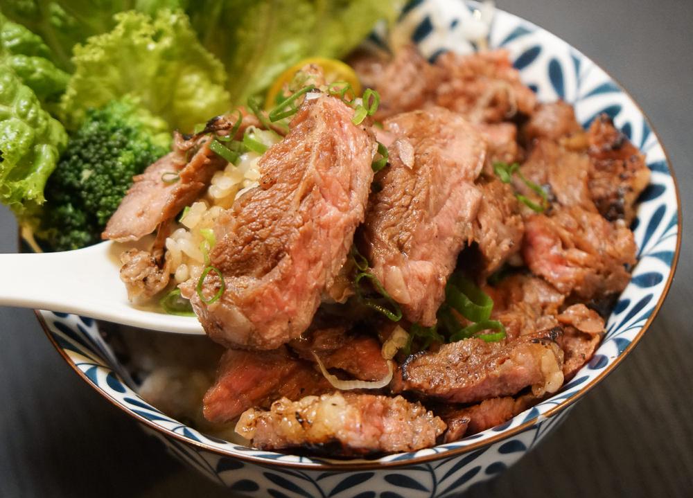 [高雄]牛丁次郎坊(高雄支店)-肉控必吃!深夜裡的和魂燒肉丼!食尚玩家推薦