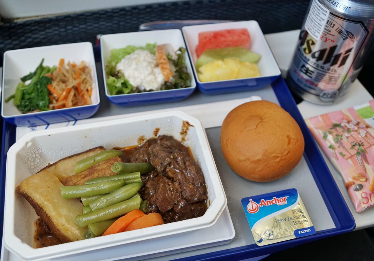 [日本自助]驚豔的ANA全日空經濟艙餐點初體驗(台北松山-東京羽田航線)