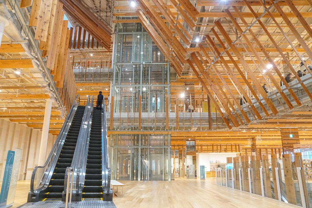 [北陸富山旅遊]富山市玻璃美術館TOYAMAキラリ-建築大師隈研吾打造!富山人的藝術美學公共空間