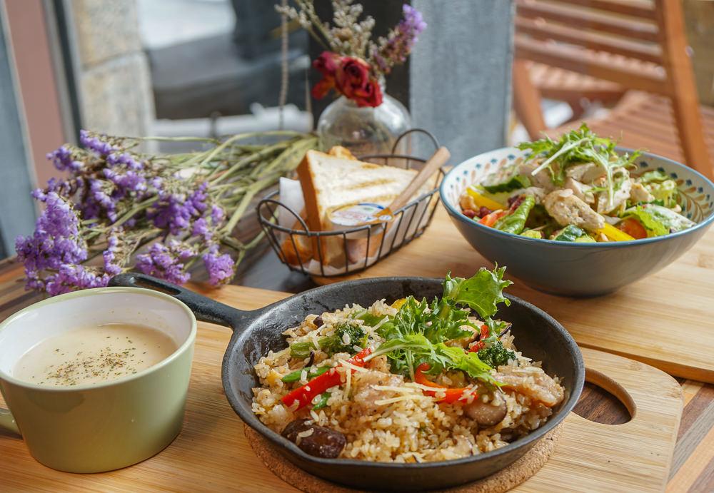 [高雄前鎮美食]莓塔咖啡館-巷弄低調小店!鄉村風美味早午餐