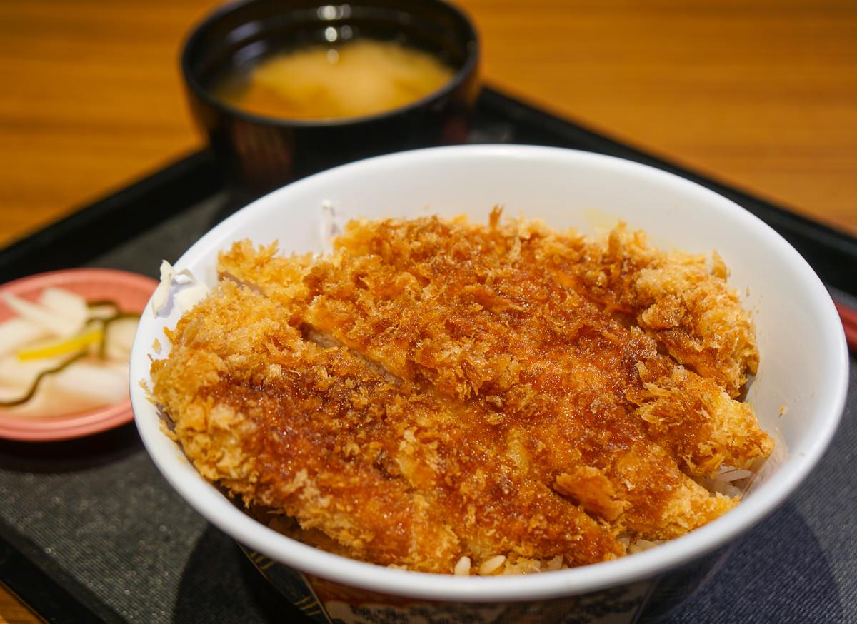 [高鐵左營美食]豚一屋かつ丼(左營店)-來自日本的高C/P值美味厚豬排飯!
