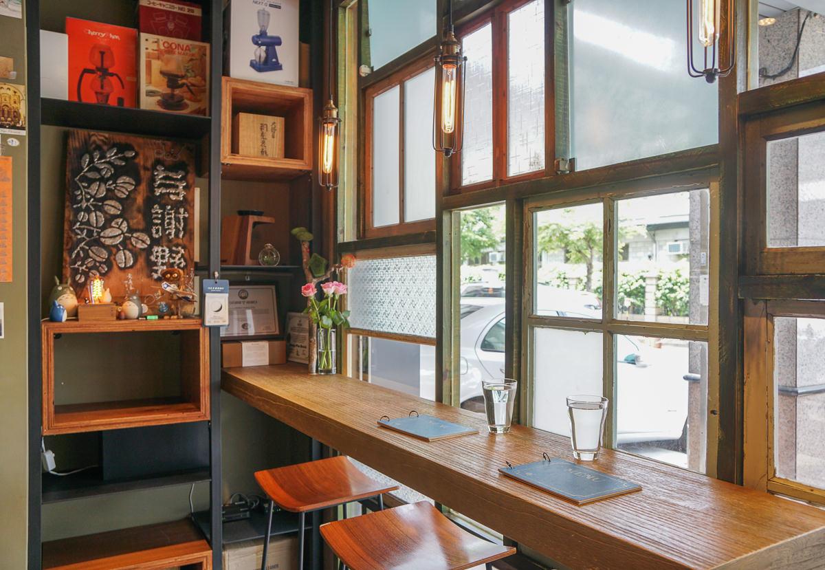 [台中咖啡店推薦]与謝野直火烘焙咖啡工作室-回味無窮手工布丁x虹吸式單品咖啡