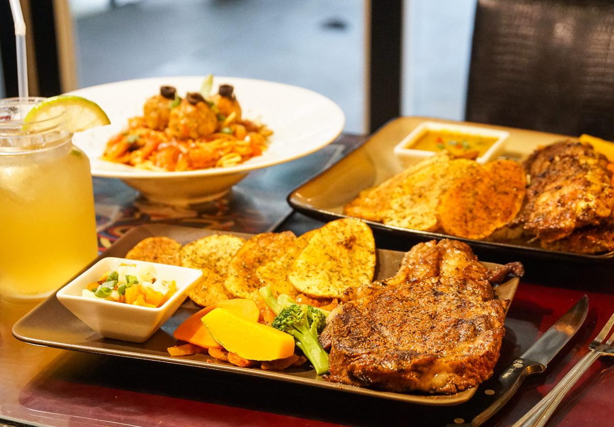 [高雄]波普藝術廚房(左營店)-加拿大主廚巧手~肉控必吃印度咖哩雞腿排和肋眼牛排