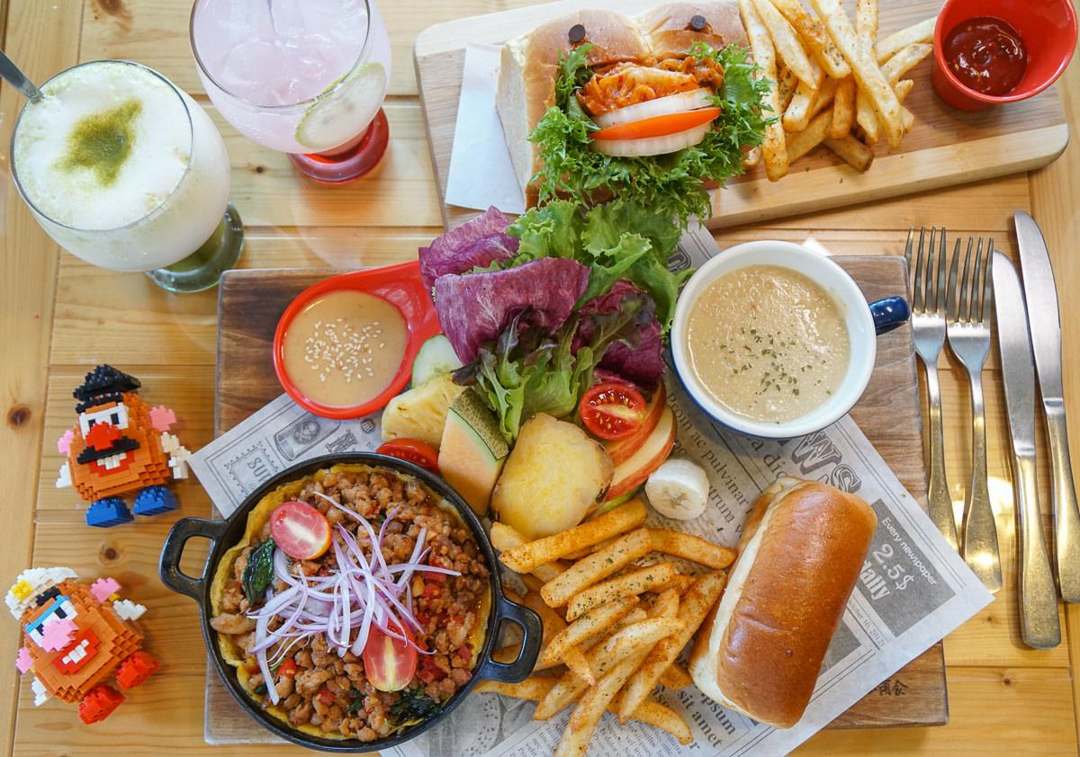 [高雄早午餐推薦]木上角食-超澎湃早午餐!塞滿泡菜的怪獸堡x打拋豬鐵鍋煎蛋