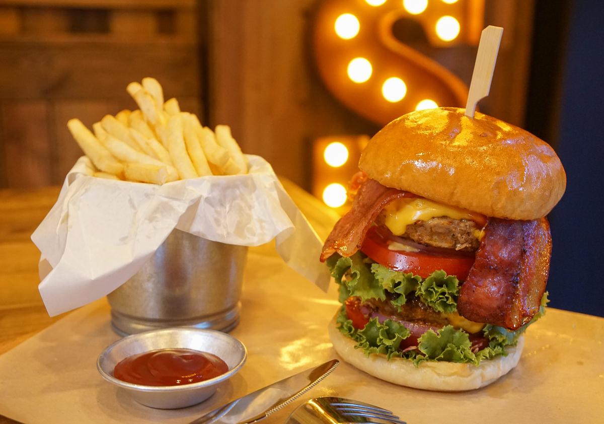 [高雄]MR & MS BURGER Taiwan-來自香港!肉厚多汁美味牛肉堡