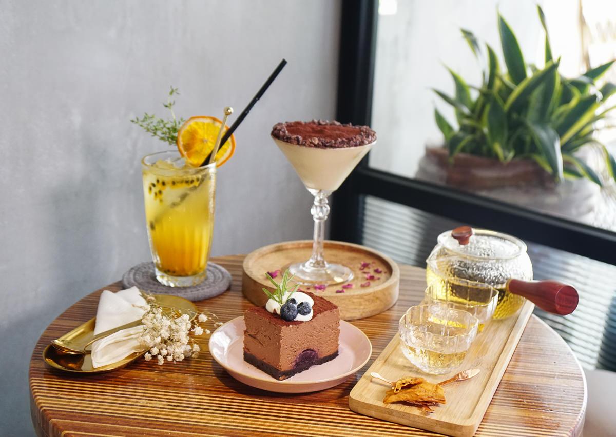 [高雄下午茶推薦]小島茶酒-白天茶館x夜晚酒館~迷人微醺氣圍享甜點