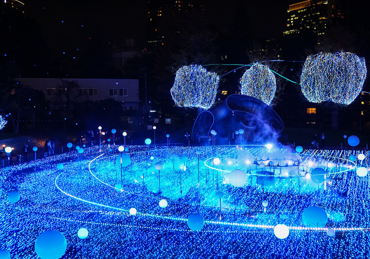 [東京聖誕點燈]六本木Tokyo Midtown2018聖誕點燈~超壯觀!奇幻感宇宙光球
