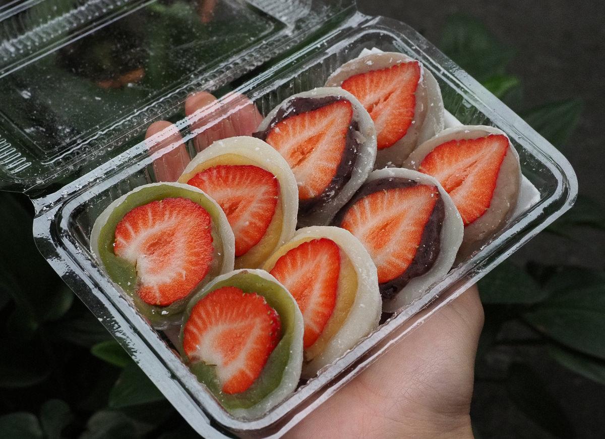 [高雄麻糬推薦]林記6元麻糬-一顆20元!繽紛口味超大草莓大福!