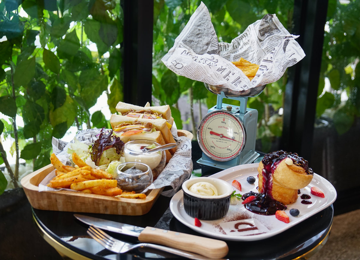 [高雄早午餐推薦]Cofein Cafe-鳳山最新網美咖啡空間!許你一個綠影相伴的早晨