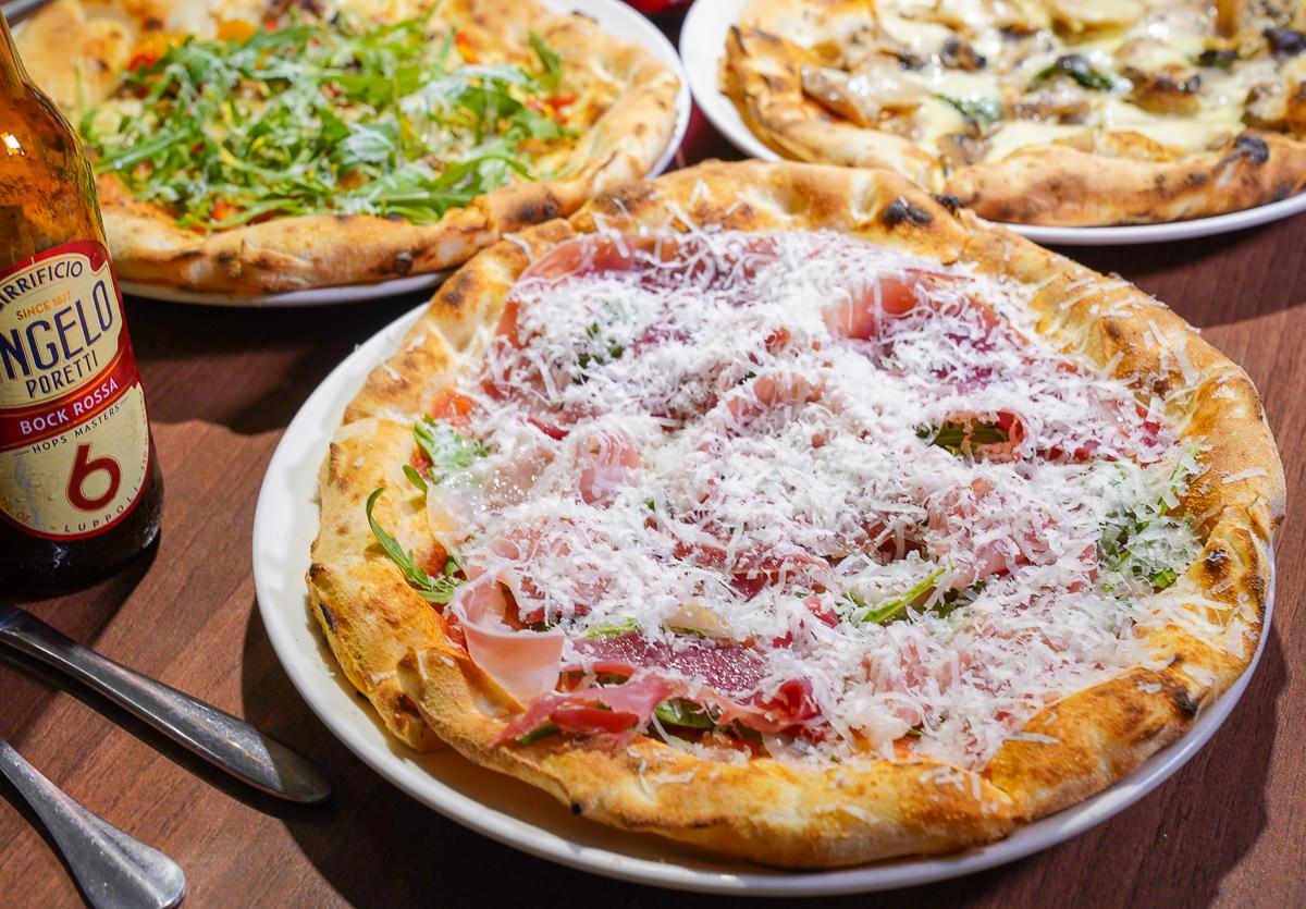 [高雄左營美食]波市多拿坡里披薩-2019世界冠軍披薩~皮超香Q好吃不貴!