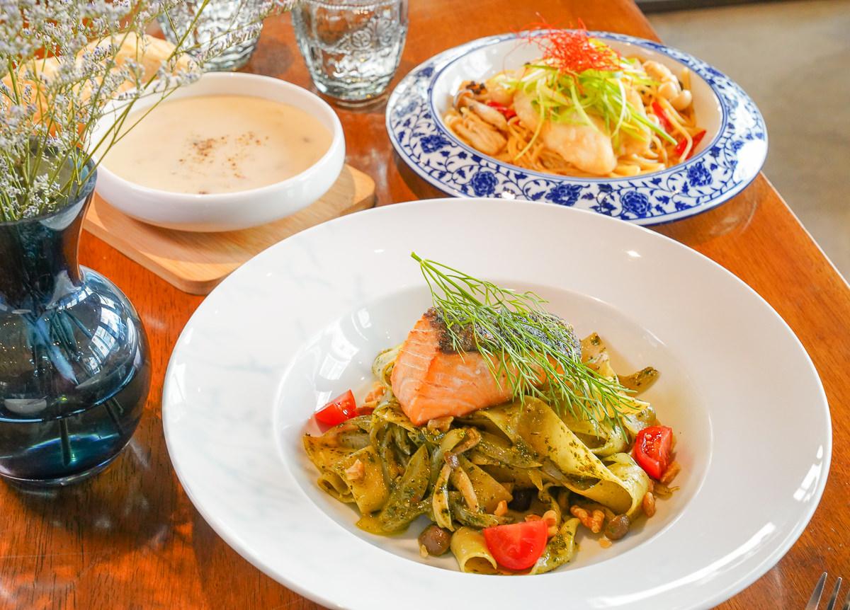 [高雄前金美食]Cafe' 14-一秒來到歐洲~迷人復古工業風咖啡館!外國人也讚嘆的好吃義大利麵