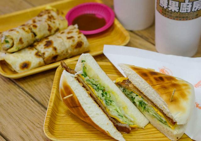 [高雄]饅頭化身帕尼尼三明治!?超水果的鮮果牛奶-Man Man鮮果廚房