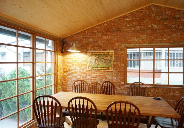 [高雄]窗光、復古紅磚房與咖啡香-春正商行コーヒー、焙煎