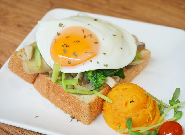 [台北]陽光大份量滿足早餐-hi,日楞Ryou café