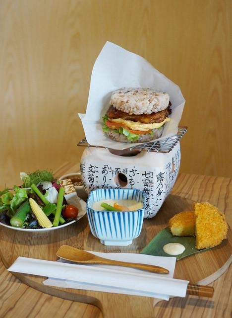 [高雄]優雅和風,質感日式早午餐-初めて初日珈琲