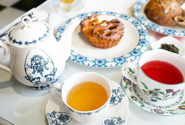 [高雄]逛街順便來個下午茶!好喝有機果茶-德國農莊複合茶館B&G Tea Bar(夢時代店)