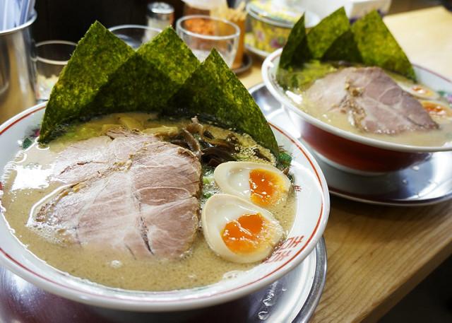 [台南]日職人的一碗入魂豚骨拉麵-豚骨家博多豚骨拉麵