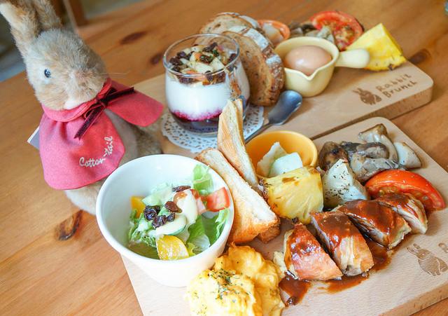 [高雄]英式鄉村小屋!兔兔陪你吃美味Brunch-瑞彼特早午餐 Rabbit Brunch