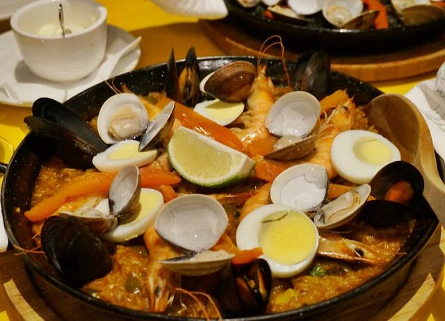 [高雄]來個西班牙之夜!鐵鍋西班牙海鮮燉飯-歐啦西班牙餐廳