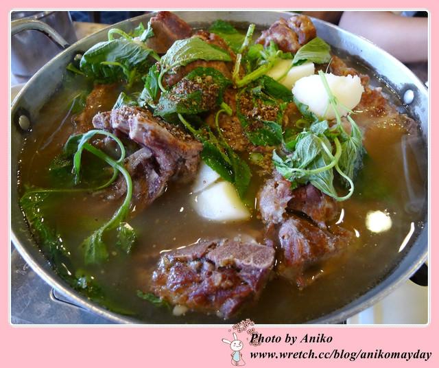 【2012夏❤首爾】5天4夜半自助行。好美味!韓國總統也愛吃。紅班長馬鈴薯豬骨燉鍋 (文末送禮)