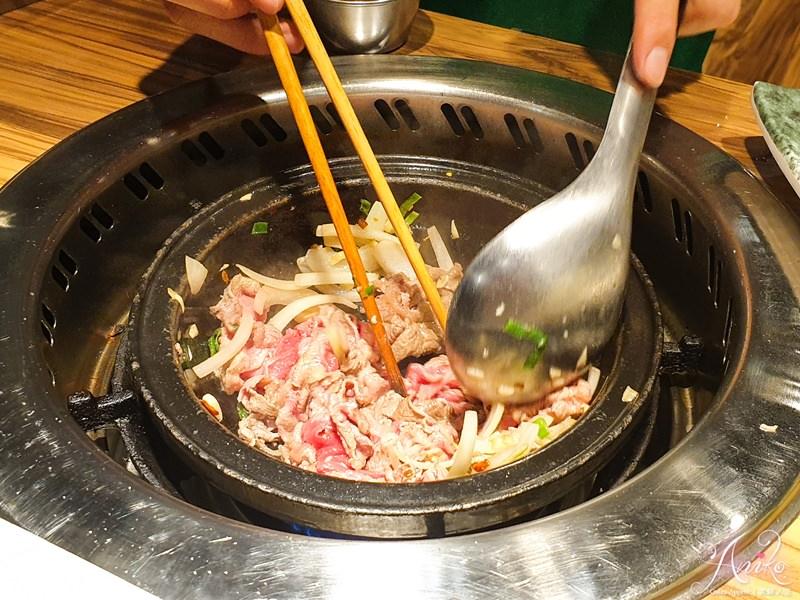 【永和美食】旺角石頭火鍋。永和火鍋控看過來!來自三重的排隊人氣火鍋~鍋邊爆香迷人美味