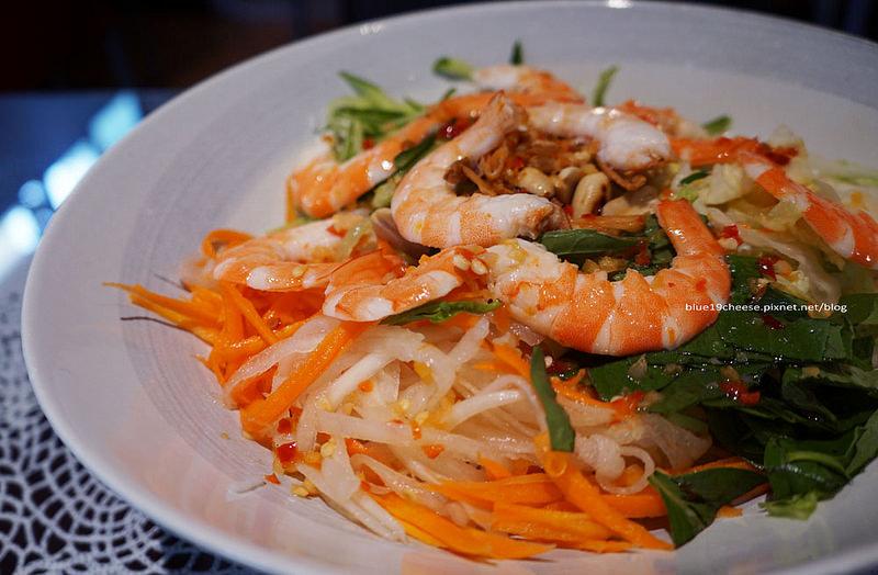【台中西區】姐妹花越南創意料理 – 份量多吃好飽.不是親姐妹的姐妹花的創意料理