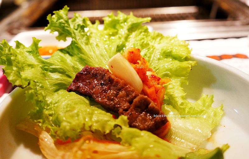 【台中韓式燒烤】兩班家韓式碳烤 – 動口不用動手.韓式小菜不能續.有貴鬆鬆的貴族fu~