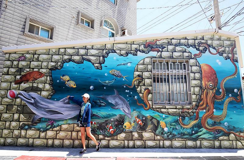 【嘉義布袋】好美里好美國小3D立體海洋世界彩繪 – 有著目前國內最長的地心歷險魔幻3D立體地畫.海洋世界魔幻3D立體壁畫.嘉義親子一日二日遊.好美國小附近.太子宮和太聖宮及好美里衛生室旁