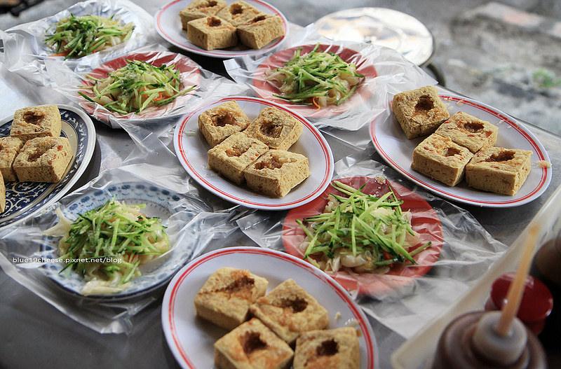 【 台中西區】丁婆婆臭豆腐.爆大運米餅 – 今年終於和JU見到面了